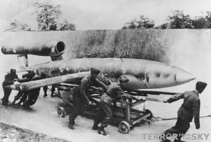 The V1 flying bomb eing prepared for launch: Original image: Bundesarchiv, Bild 146-1975-117-26 / Lysiak / CC-BY-SA